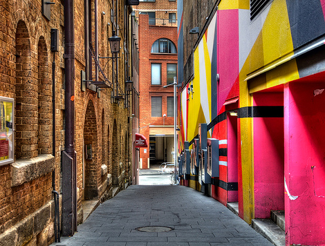 Loveroni-color-alley