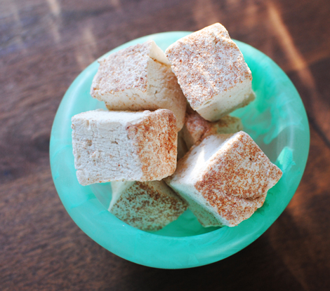 Red-bread-marshmallows
