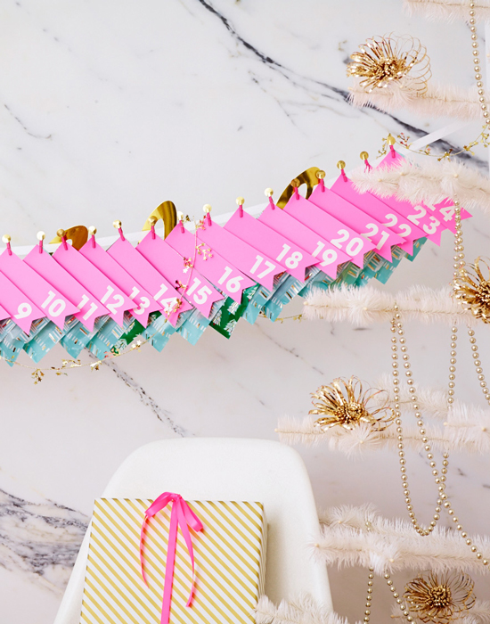 Holiday Countdown Garland DIY / ThussFarrell for Oh Joy