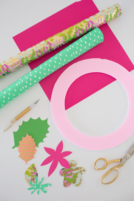 a paper holiday wreath DIY