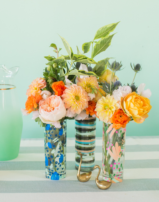 a painted vase DIY