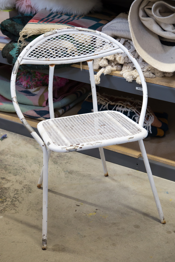 How to Transform a Rusty Metal Chair / Oh Joy!