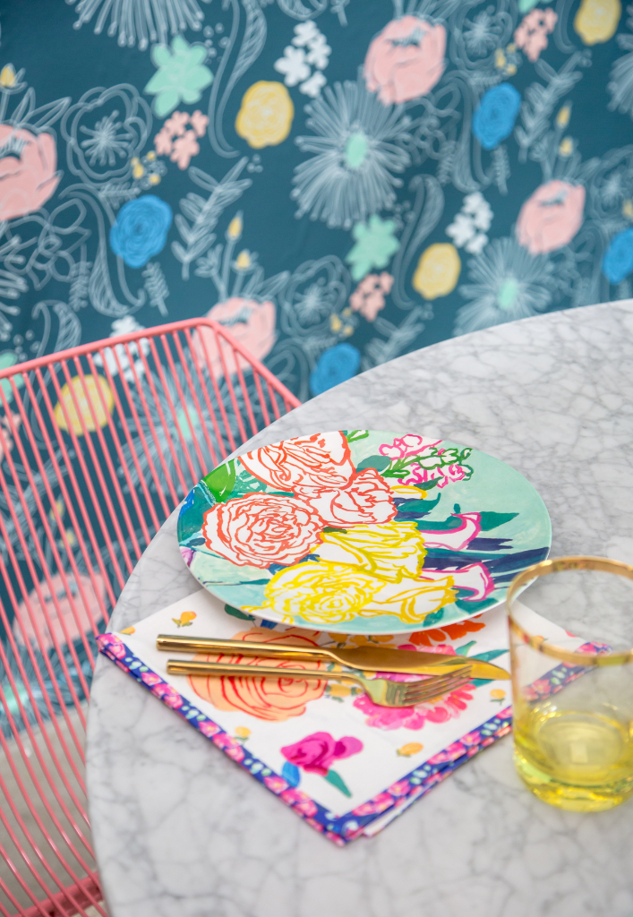 Pattern Adventures: A Floral Dining Room!