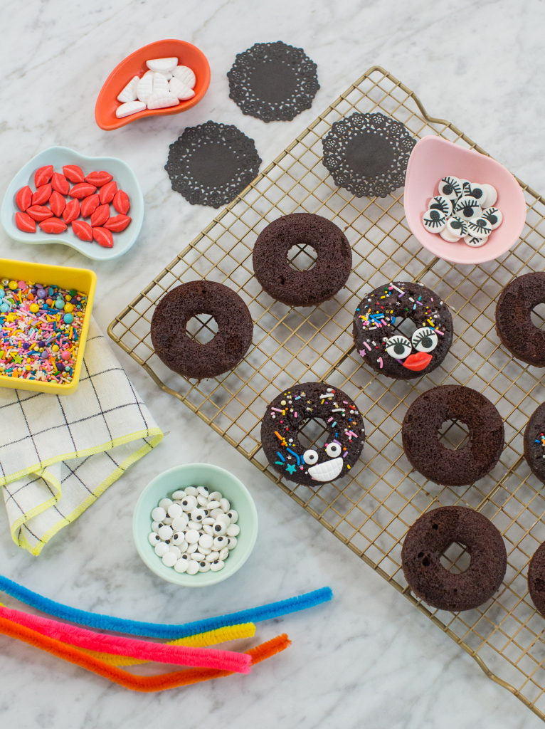 Cute DIY Spider Donuts for Halloween... / via Oh Joy!