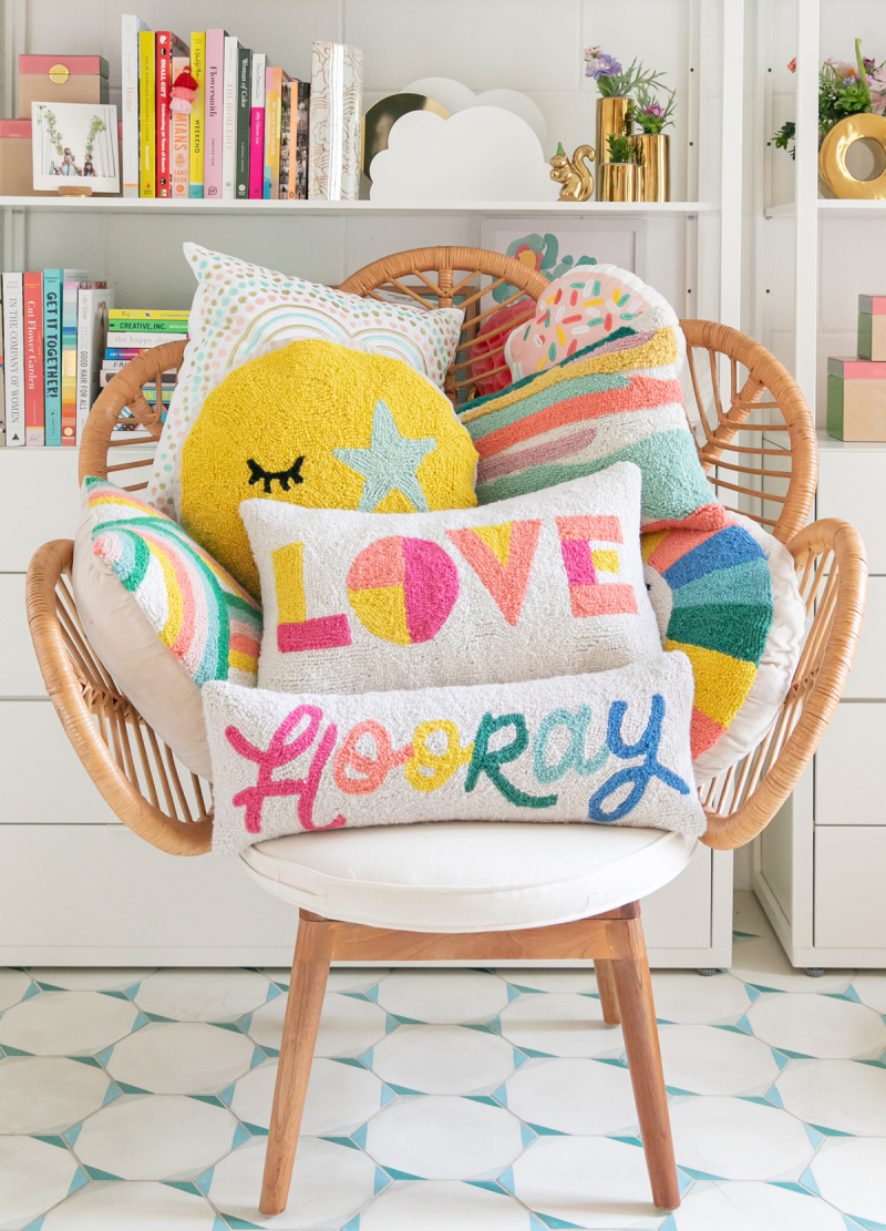 Styling Pillows 101... / via Oh Joy!