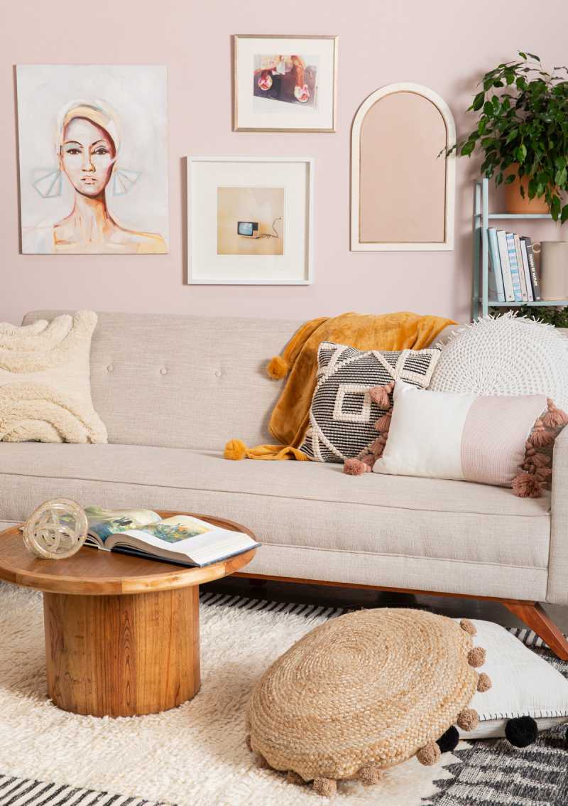 a soft and pretty living room... / oh joy!