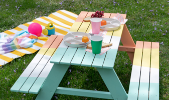 A Colorful Picnic Table for Your Kid!